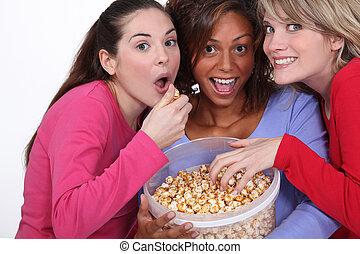 팝콘, 캐러멜, 친구, 함께 식사를 하는 것