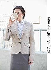 평온, 유행, 갈색의, 털이 있는, 여자 실업가, 마시는 커피
