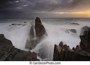 폭풍우다, 해돋이, 와..., 파도, 충돌, 위의, 바다 스택