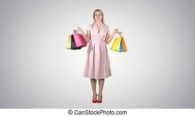 핑크, 은 자루에 넣는다, 쇼핑하고 있는 여성, 경사, 서 있는, 배경., 의복
