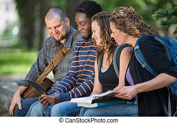 학생, 을 사용하여, 디지털 알약, 함께, 통하고 있는, 교정