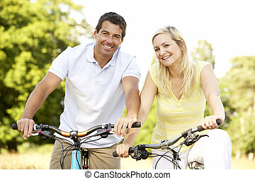 한 쌍, 자전거를 타는 것, 에서, 시골