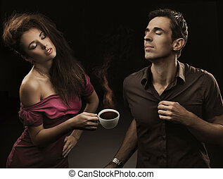 한 쌍, 커피, 술을 마시는 것, 나이 적은 편의
