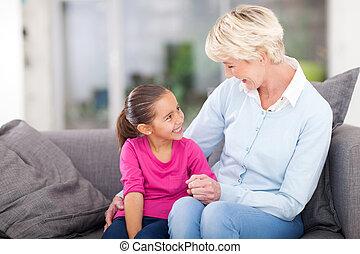 할머니, 가정, 손녀, 몸을 나른하게 하는