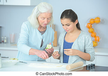 할머니, 소녀, 빵 굽기, 나이 적은 편의