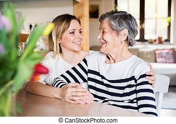 할머니, 손녀, home., 성인, 나이 먹은