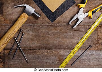해석, 도구, 통하고 있는, 나무로 되는 테이블, -, 사포, 펜치, 측정 테이프, 망치, 손톱