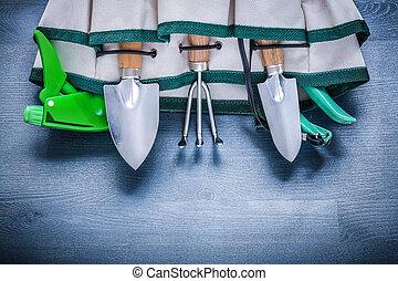 핸드백, 와, 정원 도구, 선내에
