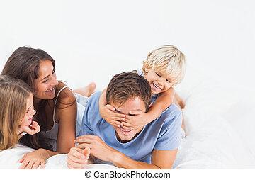 행복한 가족, 함께 노는 것