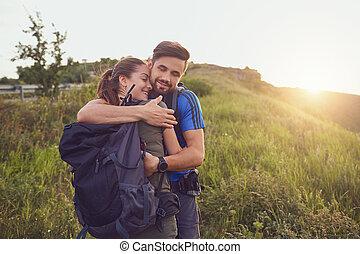 행복한 커플, 의, 관광객, 미소, 에서, nature.