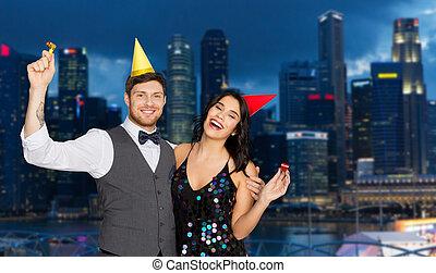행복한 커플, 파티, 에서, 밤, 싱가포르 시