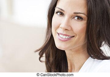 행복해 미소 짓는 것, 아름다운, 브루넷의 사람, 여자