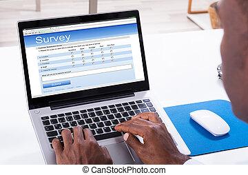 휴대용 퍼스널 컴퓨터, 측량, 서류 작성, 형태, 남자