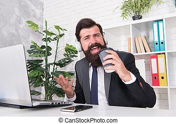 Buenos Días En La Oficina Retrato De Una Mujer De Negocios