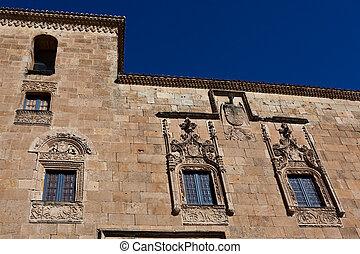 Edificios Históricos Con Las Terrazas Típicas Cerca De Plaza