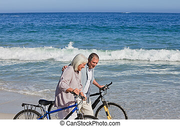 -eik, párosít, bringák, nyugdíjas