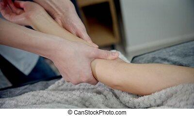 -, elle, femme, clients, pétrissage, masage, poignet, ...