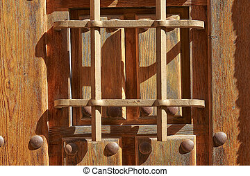 Nostalgica puerta de madera. Detalle de una puerta de madera