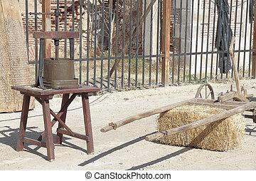 Prensa histórica. Detalle de una histórica prensa de madera