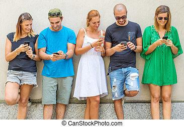 -, intelligent, téléphones, amis, groupe, regarder, génération, mobile, millennials