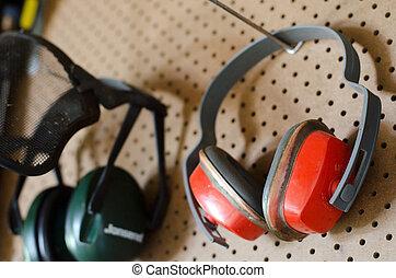 WORKING-TOOLS-WORKSHOP-PROTECTIVE-HEADPHONES - Two...