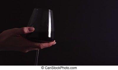 -, processus, rouges, vérification, transparent, tourne, arrière-plan., alcoolique, essai, odeur, femme, sommelier, verre, noir, vin, boisson