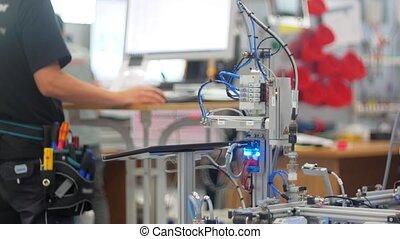 -, solutions, technologique, moderne, homme, ouvrier, informatique, exposition
