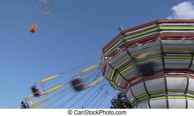 01, chaîne, carrousel