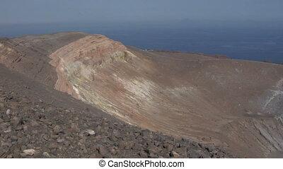 02, vulcano, cratère