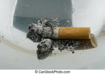 06, röka, askkopp