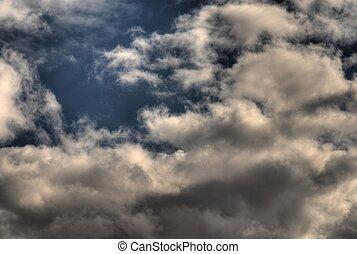 1, עננים, הבקע