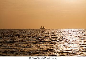 1, cargo, coucher soleil, mer