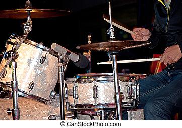 1, tambours
