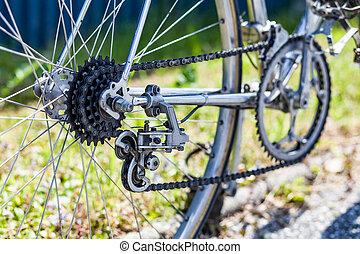 10, chaîne bicyclette, cassette, freewheel, dérailleur, vitesse