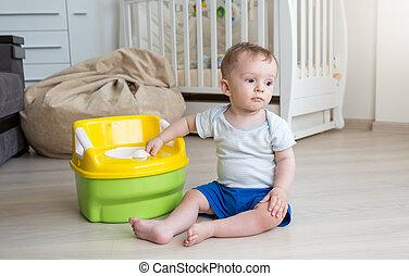 10, vieux, garçon, pot, mois, obtenir, chambre, accustomed, bébé, utilisation