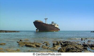 abandoned shipwreck - 10482 abandoned shipwreck