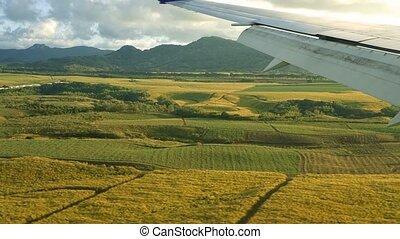 Landing airplane, Ile De La Reunion - 1080p, Landing ...