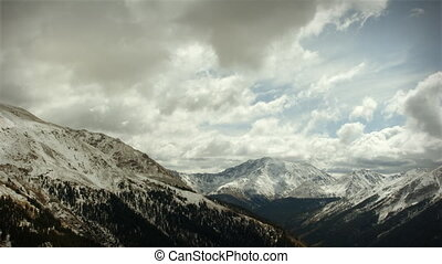 (1120) Early Snow Storm Mountain Pass Colorado, LOOPING! -...