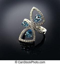18 Ct WG Aquamarine Diamond Ring - 18 Ct (750) White Gold ...