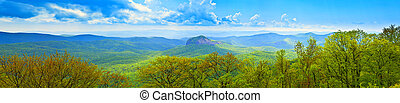 180, grau, panorâmico, de, grandes montanhas esfumaçadas