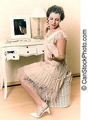 1920s boudoir lady
