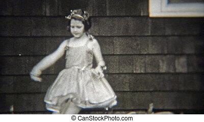 1936: Confident ballet girl solo