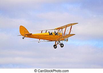 1942 Yellow DH82 Tiger Moth Bi-plane. Gipsy Major - Four...