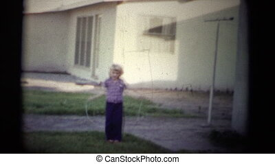 (1950s 8mm Vintage) Learning Rope - A cute little girl...