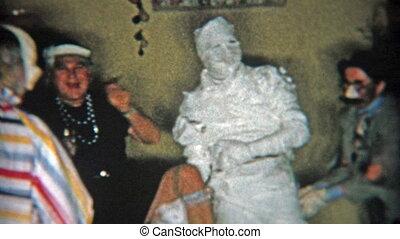 1956: Mummy halloween costume and
