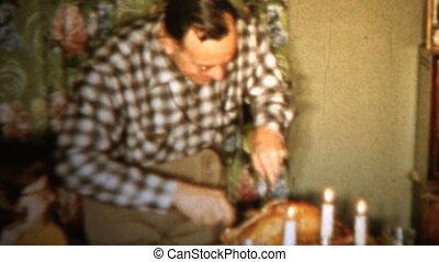 1958 - Preparing Turkey Christmas - Original vintage 8mm...