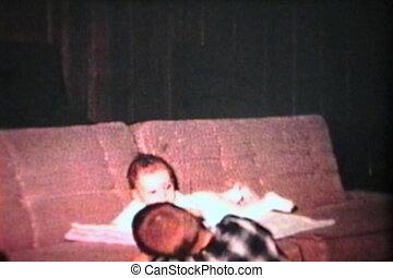 (1965), sofa, girl, bébé