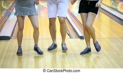 2人の少女たち, ∥で∥, 1(人・つ), 人, ダンス, 中に, ボウリング, クラブ