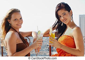 2명의 소녀, 휴일에, 에서, 쿠바, 보유, 칵테일