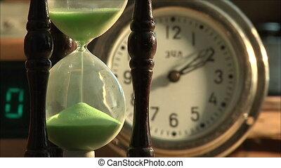 2, песочные часы